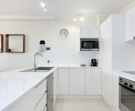 u12-apartments-near-gympie-terrace (10)